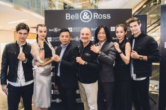 Model, Model, Mr Kelvin Lim (Deputy GM Watches of Switzerland), Mr Carlos Rosillo (CEO Bell & Ross), Mr Tong Chee Wei (GM Bell & Ross Asia), Model, Model
